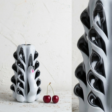 Decorative candles - Medium White and Black - Swan inspired style - Carved candle - EveCandles